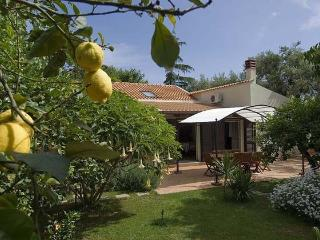 Comfortable 3 bedroom Villa in Capo D'orlando - Capo D'orlando vacation rentals