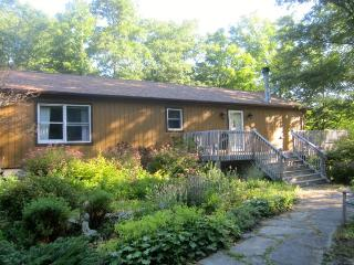 Cozy House with Deck and Internet Access - Rhinebeck vacation rentals