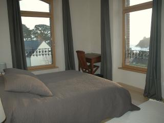 Nice B&B with Internet Access and Microwave - Locmaria-Plouzane vacation rentals