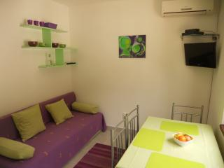 Family friendly apartment with WiFi Necujam Green - Necujam vacation rentals