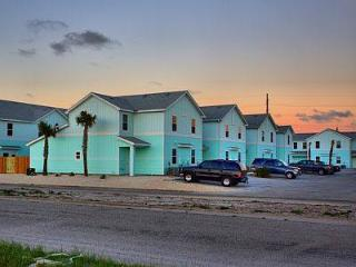 Close to Beach and Schlitterbahn. Brand New Rental - Corpus Christi vacation rentals