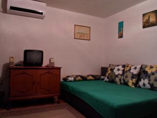 Studio Apartman Mali - Split vacation rentals
