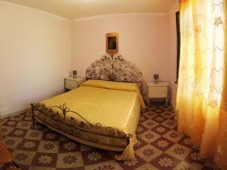 Centro Storico - Appartamento Angolo Antico - Trapani vacation rentals