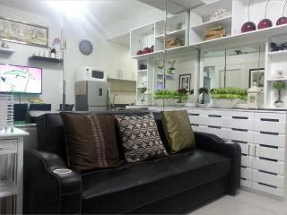 1BR Fully Furnished Condo Unit@Sea Residences,MOA - Pasay vacation rentals