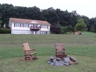 Hilltop Getaway!! Williamsport * Famous Little League World series - Linden vacation rentals