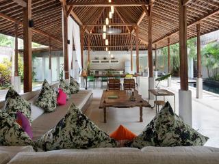 Charming 3 Bedrooms Villa 400m from Beach - Seminyak vacation rentals