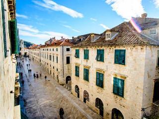 Luxury apartment Dubrovnik Stradun - 4+2 - Vela Luka vacation rentals