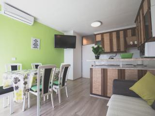 A relaxing apartment near the center - Split vacation rentals