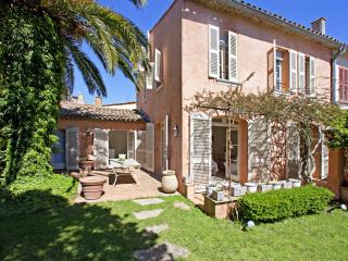 Wonderful 6-bedroom Villa with Private Garden - Saint-Tropez vacation rentals