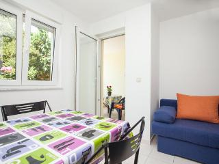 • Lungomare Beach Apartment Pula • - Pula vacation rentals