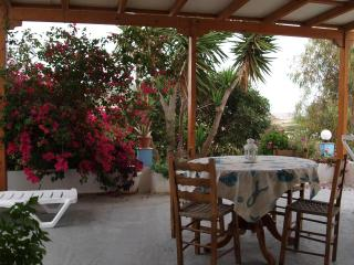 3 bedroom farm house in Pollonia - Milos vacation rentals