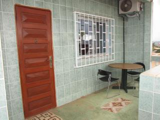 Romantic 1 bedroom Apartment in Yaounde - Yaounde vacation rentals