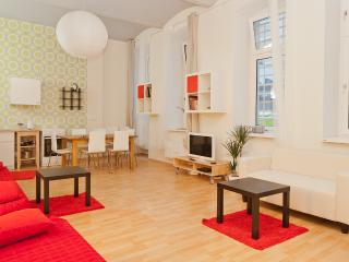 Comfortable Condo with Internet Access and Central Heating - Berlin vacation rentals