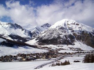 Romantic Condo with Internet Access and Satellite Or Cable TV - Livigno vacation rentals
