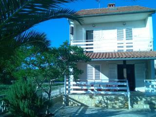 Villa Mateo - Northern Dalmatia vacation rentals