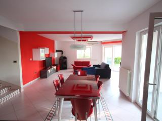 Holiday House Pula Veli Vrh - Pula vacation rentals