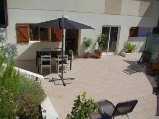 Beautiful 2 bedroom Condo in Amarante - Amarante vacation rentals
