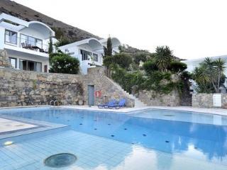 Cozy 1 bedroom Villa in Agios Nikolaos with Deck - Agios Nikolaos vacation rentals