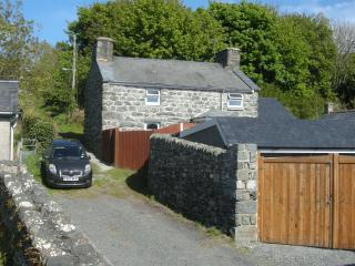 Beautiful Cottage with Internet Access and DVD Player - Dyffryn Ardudwy vacation rentals