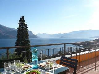 2 bedroom Condo with Parking Space in Rezzonico - Rezzonico vacation rentals