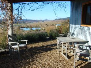 Nice Bungalow with Outdoor Dining Area and Microwave - Braidwood vacation rentals