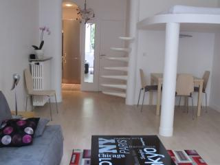 LUXURIOUS APT IN PARIS 7th - Paris vacation rentals