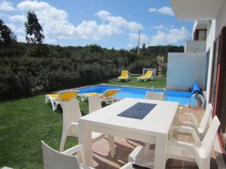 Lux 3 bed 3 bath villa with own heated pool & - Obidos vacation rentals