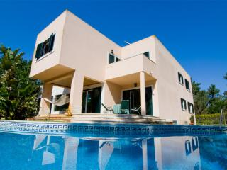 Comfortable 5 bedroom Troia Villa with Satellite Or Cable TV - Troia vacation rentals