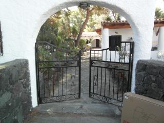 Porta Della Sicilia, Villa Aloe - Vulcano Eolie - Isola Vulcano vacation rentals
