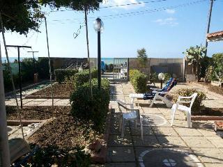 villetta a pochi metri dal mare-house a few meters - Termini Imerese vacation rentals