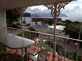 Spacious House with Dishwasher and Satellite Or Cable TV - Simon's Town vacation rentals