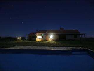 Gorgeous 3 bedroom Cottage in Évora with Internet Access - Évora vacation rentals