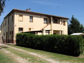 2 bedroom Farmhouse Barn with A/C in Peccioli - Peccioli vacation rentals