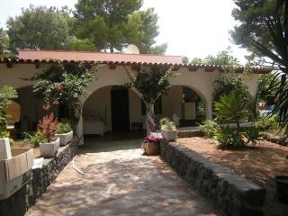 Villa Aloe - Vulcano Isole Eolie - Isola Vulcano vacation rentals