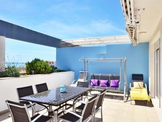 Design Penthouse TIHANA - Split vacation rentals