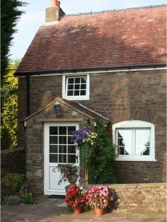 Charming 1 bedroom Lydney Cottage with Internet Access - Lydney vacation rentals