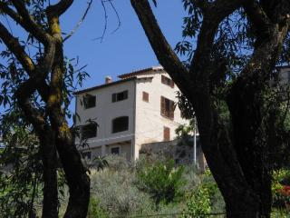 2 bedroom Apartment with Internet Access in Trevi - Trevi vacation rentals