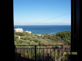 Piccolo Uliveto - Bilocale al 1° piano vista mare - Province of Foggia vacation rentals