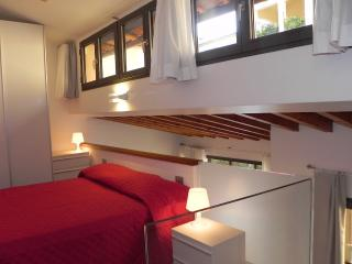 "Apartment Firenze Polimoda Oltrarno ""Bettino"" - Florence vacation rentals"