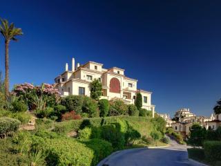 Capanes Del Golf - Benahavis vacation rentals