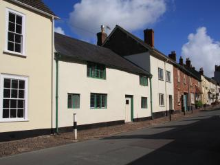 Lovely 3 bedroom Cottage in Dunster with Internet Access - Dunster vacation rentals