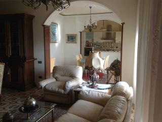 Nice B&B with Internet Access and Dishwasher - Pergine Valdarno vacation rentals