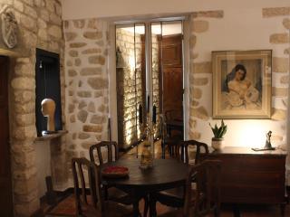MONTMARTRE ROMANTIC SECRET - Paris vacation rentals