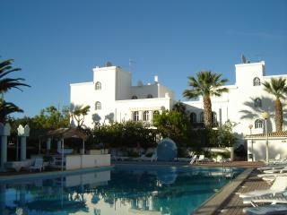 Penthouse apartment with pool & wifi,  Tavira Gard - Tavira vacation rentals