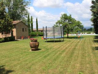 Fattoria Borgonuovo - Geranio - Cortona vacation rentals