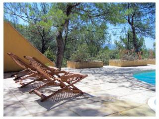 Nice Villa with Internet Access and Dishwasher - Fontaine de Vaucluse vacation rentals