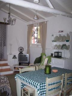 Charming Bungalow in Pavia with Hair Dryer, sleeps 4 - Pavia vacation rentals