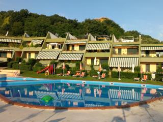 3 bedroom Condo with Shared Outdoor Pool in San Vito Chietino - San Vito Chietino vacation rentals