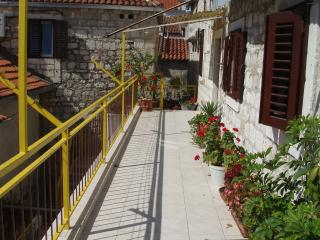 Stone villa (Omiš center) - Apartment 3 - Omis vacation rentals