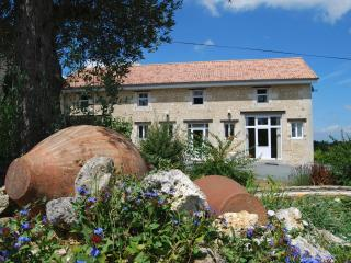 Comfortable 3 bedroom Gite in Montguyon - Montguyon vacation rentals